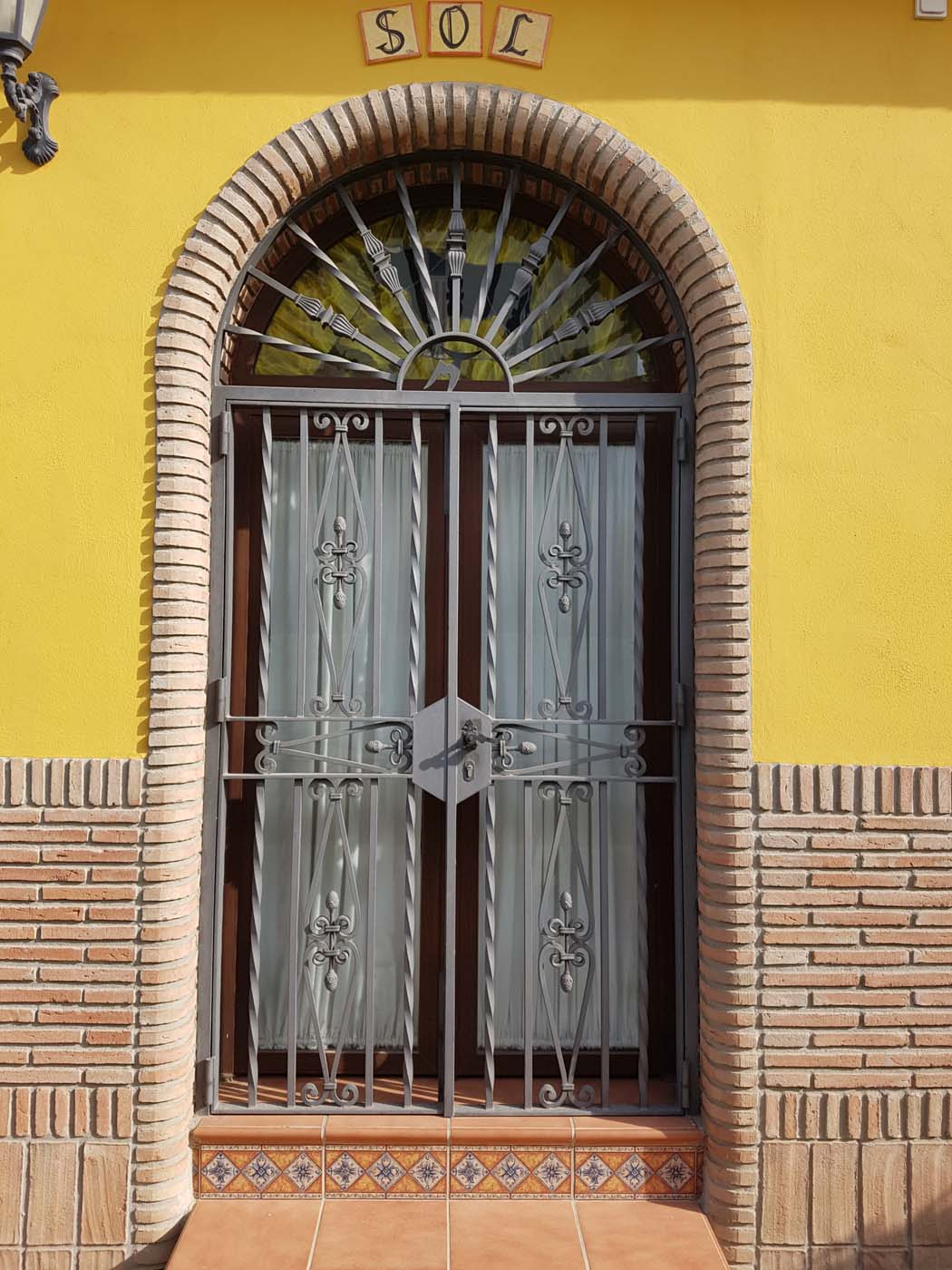 Entrance with Arabic brick